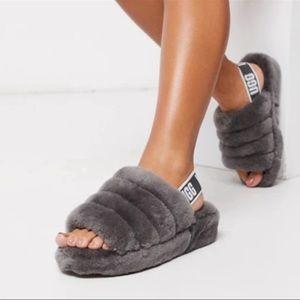 UGG🔴Fluff Yeah grey slippers Sz 12